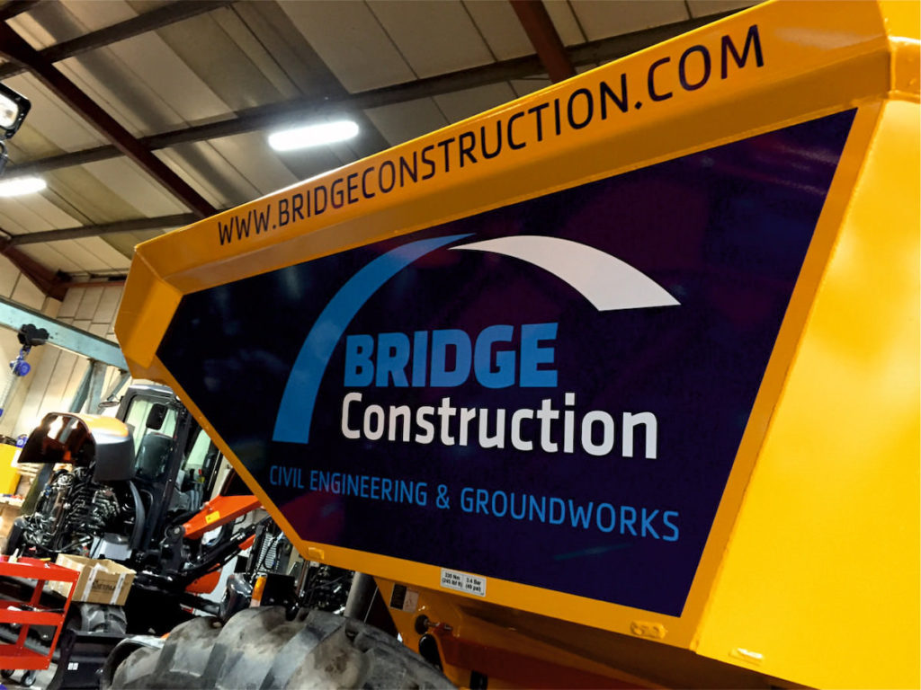 bridge-construction-plant-machinery-bespoke-graphics-sign-direct-signage-solutions-for-vehicles-leicester