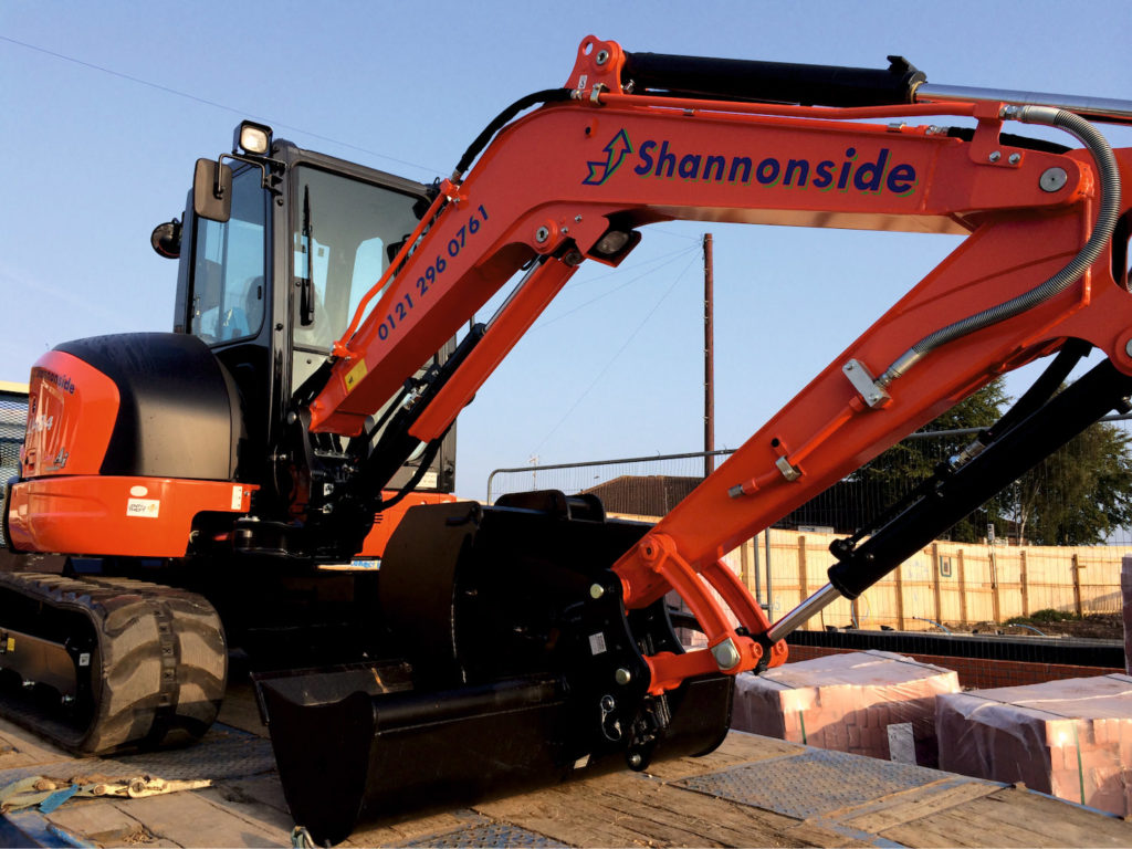 shannonside-plant-machinery-bespoke-graphics-sign-direct-signage-solutions-for-vehicles-leicester