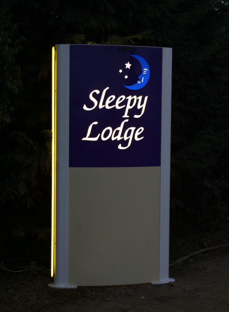 Sign Direct Leicester Signage Solutions Small Large Totems Sleepy Lodge