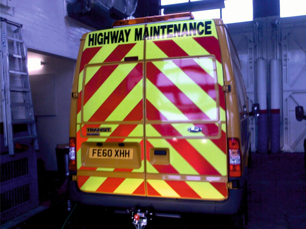highway-maintenance-bespoke-graphics-sign-direct-signage-solutions-for-vehicles-leicester